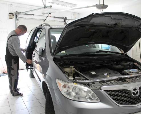 Autó átírás, kötelező felelősségbiztosítás megkötése és eredetvizsgálat egy helyen a II. kerületben